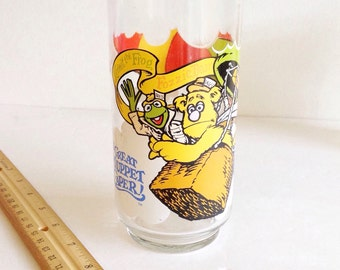 Vintage Jim Henson's The GREAT MUPPET CAPER Drinking Glass, Henson Associates 1981 , McDonald's Glass, Kermit the Frog, Gonzo, Fozzie Bear