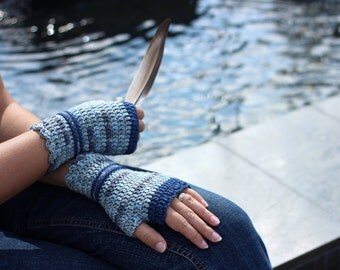 Wristwarmers in gray and navy, supersoft merino wool arm warmers, crocheted fingerless gloves, office gloves, wrist warmers