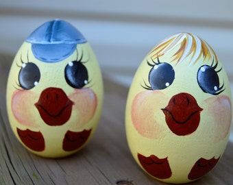 Hand Painted Baby Chick Eggs, Hand Painted Wooden Eggs, Baby Chick Eggs, Chick Eggs, Baby Eggs, Easter Eggs, Personalized Easter Egg