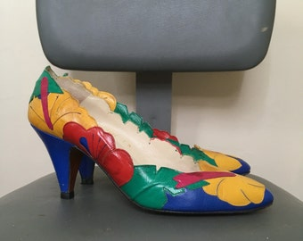 Vintage Tropical Flower Hibiscus Leather Collage Heels in Bright Red, Blue, Yellow, & Green from Paradox by Zalo - Size 7