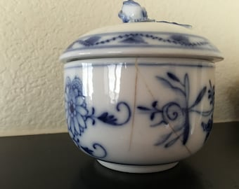 Asian design covered dish blue white with delicate sculpted flower on lid