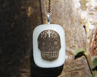 Pale green skull glass pendant, skull glass necklace glass jewelry, gold skull pendant, fused glass pendant, Halloween jewellery