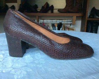 Vintage luxury snakeskin block heel court shoes. True vintage. All leather lining. 1960's