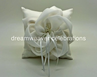 Elegant ring bearer pillow/cushion, wedding and bridal accessories.