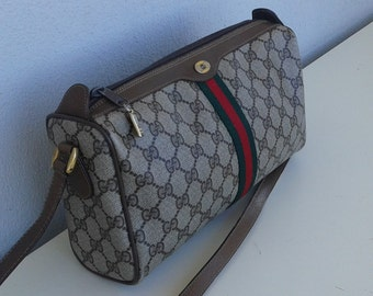 SALE!!! Gucci vintage cross body bag purse