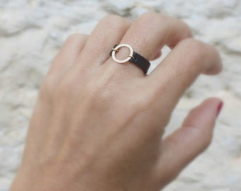 Leather Ring / Circle ring  / Gold Leather Ring / Brown leather ring /  Eternity gold ring / unisex ring / gold circle