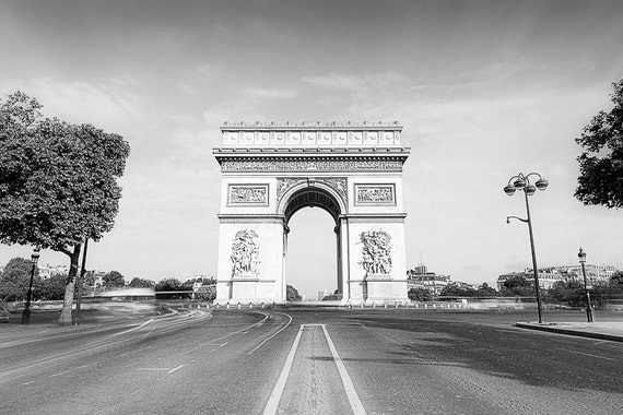 Black and white arc de triomphe champs elys esdigital wall for Arc de triomphe wall mural