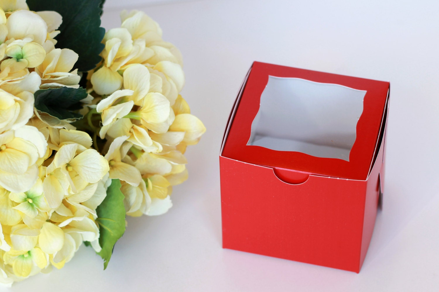 Gold Favor Boxes 4x4x4 : Red cupcake boxes with window x from