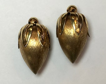 Napier Gold Rose Bud Clip Earrings 50s