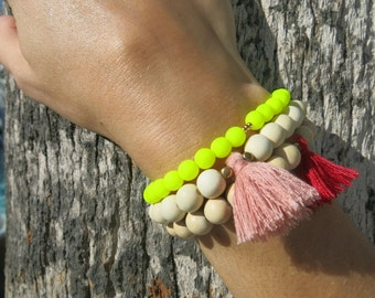 Bracelets beads and pompoms - Sunny Red and Light Pink