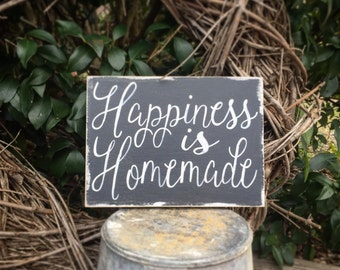 Happiness is homemade, wooden sign, shabby chic,home decor, wall art, happiness, gift, housewarming, anniversay, wedding