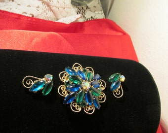 Sale Lovely Vintage Navette Brooch and Earings Clip On