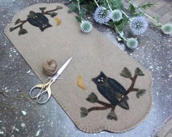 "Primitive Wool Applique Pattern ""Hootie"""