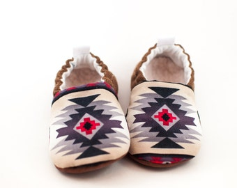 Baby Boys Shoes, Western Baby Shoes, Grey Baby Shoes, Toddler Slippers, Tribal Baby Shoes, Baby Boy Moccasins