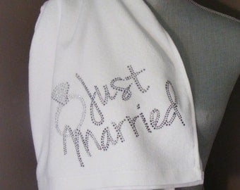 "BLING BEACH TOWEL - ""Just Married"""