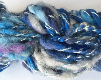 Handspun Art Yarn, Blue White SuPER BuLKy YaRN, HandSpun Novelty Yarn, CHuNKy Wool Fiber Hand Spun, for Knit Crochet FiberArt Weaving GiFT