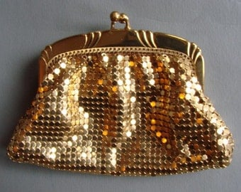 Vintage 1950s/1960s 50s Whiting and Davis Gold Mesh Purse