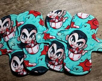 "Momma cloth pad ""Dracula teabag"""