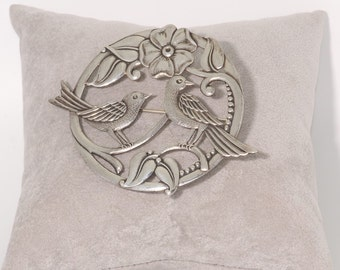 "Sterling Silver Two Birds Pin Very Detailed 2 3/4"" in diameter Stamped Sterling.  et47"