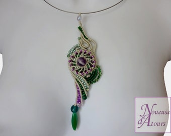 Necklace green collection micro-macrame circle and volutes