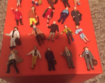 Super Set HO scale figures
