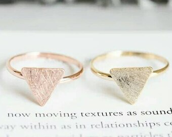 Dainty Triangle Ring, Dainty Jewelry, Minimalist Ring, Everyday Ring, Simple Ring, Fine Jewelry, Woman Jewelry, Tiny Ring, Midi Ring