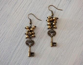 Vintage Key Earrings AR021