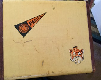 Vintage suitcase ~ terrific condition! Side table