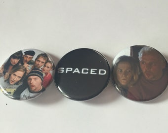 Spaced pin pack