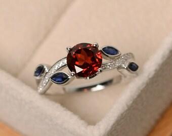 Garnet ring, leaf ring, multistone ring, red gemstone ring, ring garnet