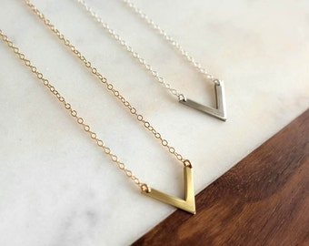 Small Arrow Necklace - Delicate Gold or Silver Necklace, Short Necklace, Geometric, Chevron, V Necklace, Small, Gifts for Her