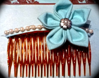 Light blue flower with white pearls hair comb