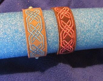 Bracelet, Faux leather, embroidered, slides