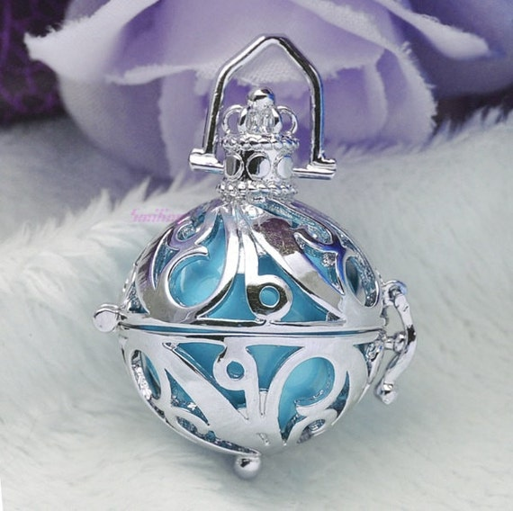 ON SALE 20% OFF. Magic Music Box Locket. Wear with Lava Stone for Essential Oils or with Chime Ball. Shiny Silver Vine Filigree.