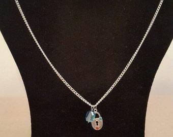 Padlock pendant necklace