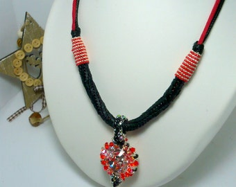 Necklace Crystal Swarovski black and red hand-woven