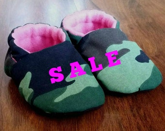 Camo Baby Girl Soft Shoes, Baby Shoes, Soft Baby Shoes, Slipper Shoes, Baby Girl shoes, Camo, Pink, Soft Sole Shoes, Warm Baby Shoes