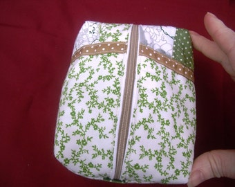 Cosmetic Bag - Makeup Purse - Green & White Quilted Zip Case