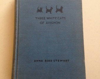 Three White Cats of Avignon