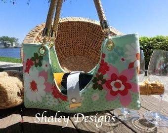 Flower Fabric Bottle Boat/Wine Purse/Bottle Caddy