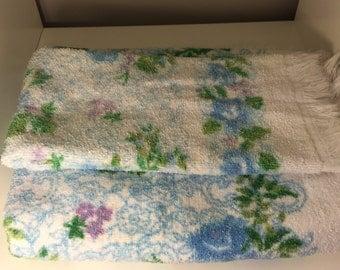 TASTEMAKER J.P. Stevens& Co_Inc. Vintage Bath towel, and Handtowel