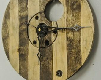 Rustic Spool Top Clock, Unique Rustic Clock, Rope Wrap Around Clock, Rustic Spool Clock, One of a Kind Rustic Wood Clock