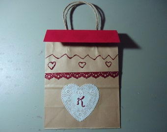 Gift bag one of a kind. Removable topper and gift tag. Valentines. Red and white. 2.00 discount if purchasing set of 5