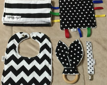 Black and White 5 Piece Baby Gift Set