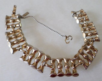 Vintage Monet Tagged, Gold Tone Linked Bracelet w/Security Chain.