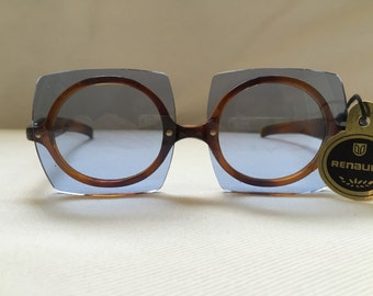 Pop Art Vintage 1960s Round Renauld Sunglasses with Blue Lenses NOS Circular Mod