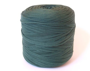 Hunter green T-shirt yarn, recycled t shirt yarn, tshirt yarn, recycled cotton yarn, jersey yarn, tricot yarn, yarn carpet, bulk yarn