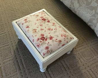 Vintage Upcycled Foot Stool,Chalk Painted,Upholsterd,Cottage Chic,Floral