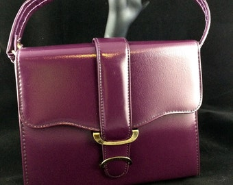 """Vintage purple """"leather"""" handbag"""