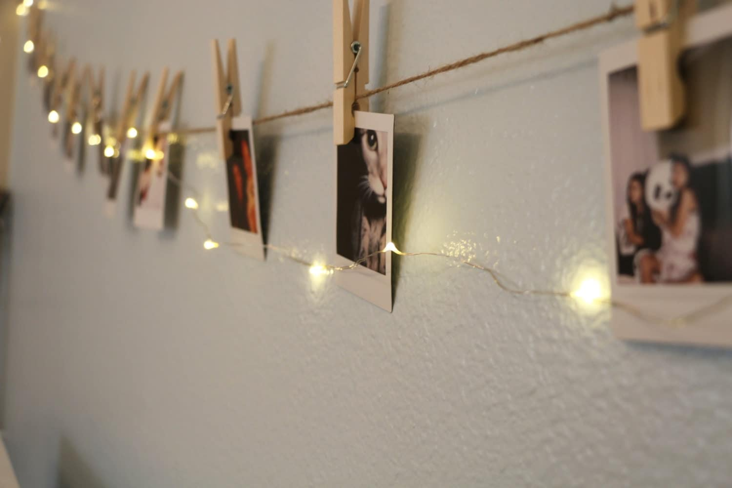 Instant picture hanging kit wall hanger for Hanging pictures on wall